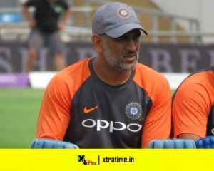 MS Dhoni during India's optional training session at Headingley