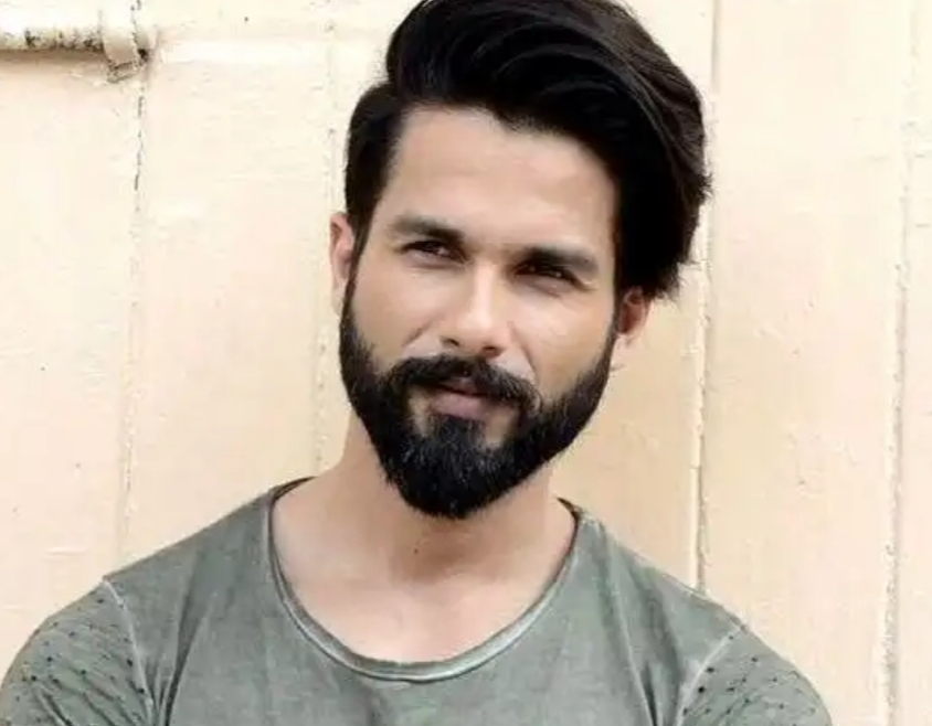 Why Shahid Kapoor cited the example of mum & dad while picking his favourite cricketer?